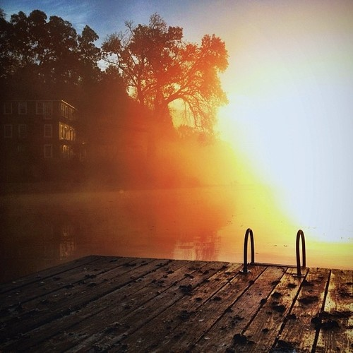 lake_house_morning